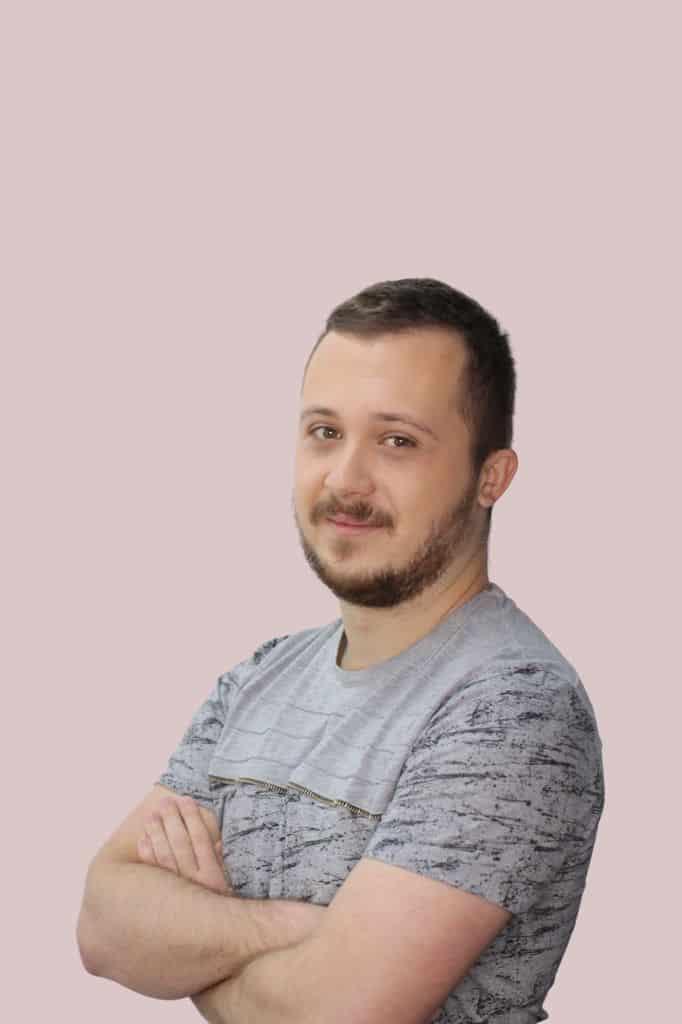 דניס סמוקוטה